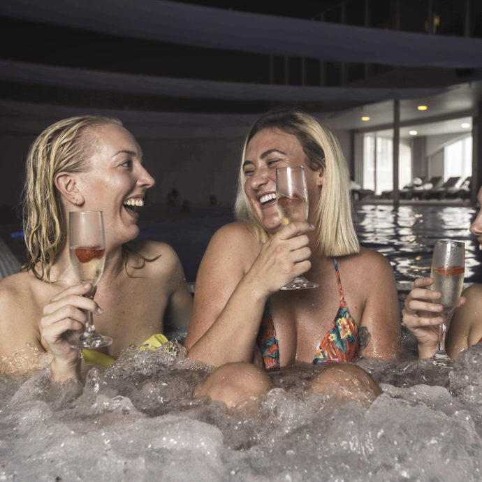 Formby Hall Golf Resort Wellbeing Hot Tub